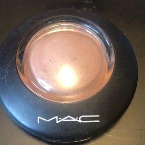 MAC Cosmetics Makeup - MAC Cosmic Force mineralized blush